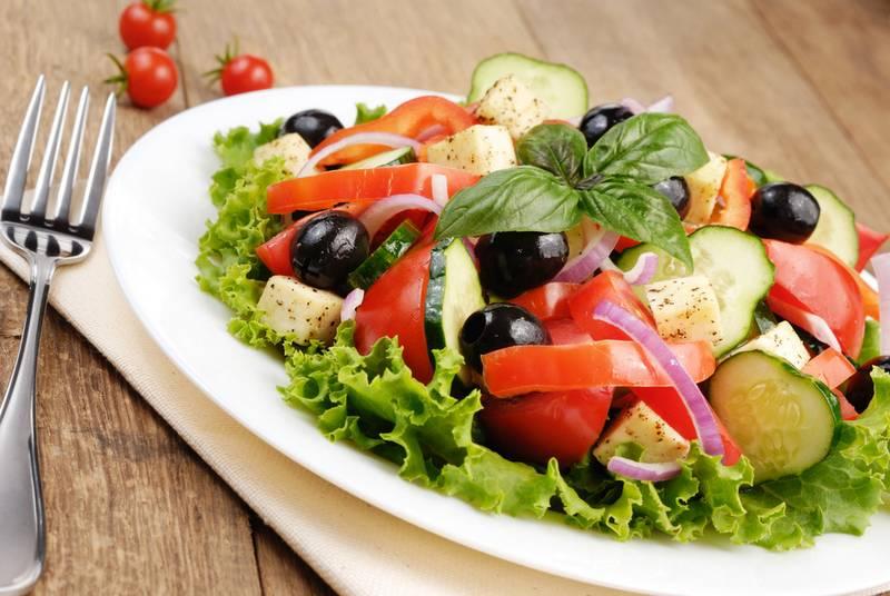 Кулинарные рецепты салатов с огурцами